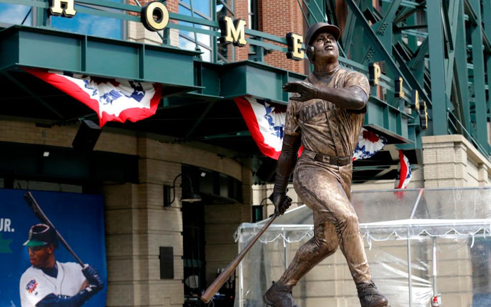 T-Mobile Park Griffey statue
